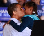 barack-obama-kisses-sasha