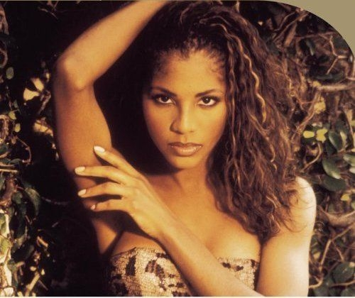 Toni Braxton is ...R And B Artists 90s