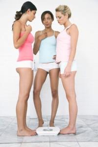 women-compete-weight